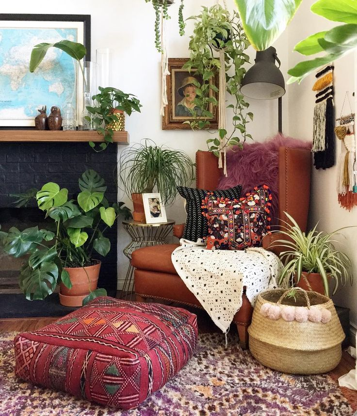 Boho decor. Pillows. Plants.