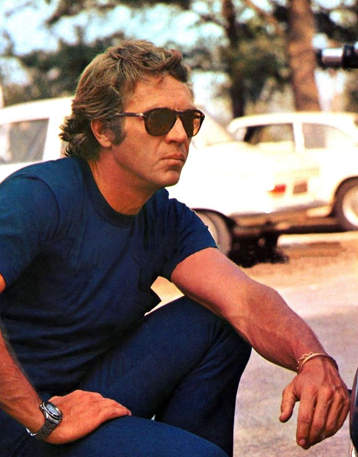 Steve-McQueen-Rolex-Submariner-with-Persol-Sunglasses.jpg (1602×2048)