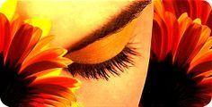 """¿QUÉ ES DRISHTI EN LA PRÁCTICA DEL YOGA? Drishti significa """"mirada"""". En la práctica de yoga y la meditación  esto significa fijar la mirada en un punto. Este foco envía mensajes tranquilizadores al sistema nervioso, despierta a mente y le confiere una dirección. Los ojos son los objetivos de la mente, y con drishti enfocas tu conciencia. www.unrespiro.es Técnicas de desarrollo y evolución persona on line (yoga, meditación, relajación, pranayama, tai chi, pilates, PNL, Coach y mucho más)"""