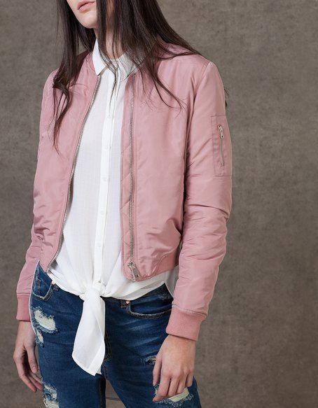vestes pour femme sur stradivarius online entre et dcouvre vestes qui tattendent retours gratuits