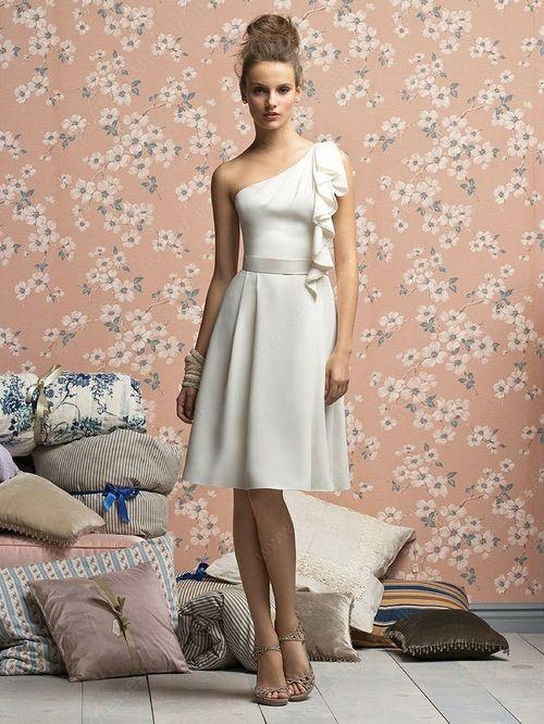 A-line One Shoulder Chiffon Knee-length Cascading Ruffles Bridesmaid Dresses -£49.19