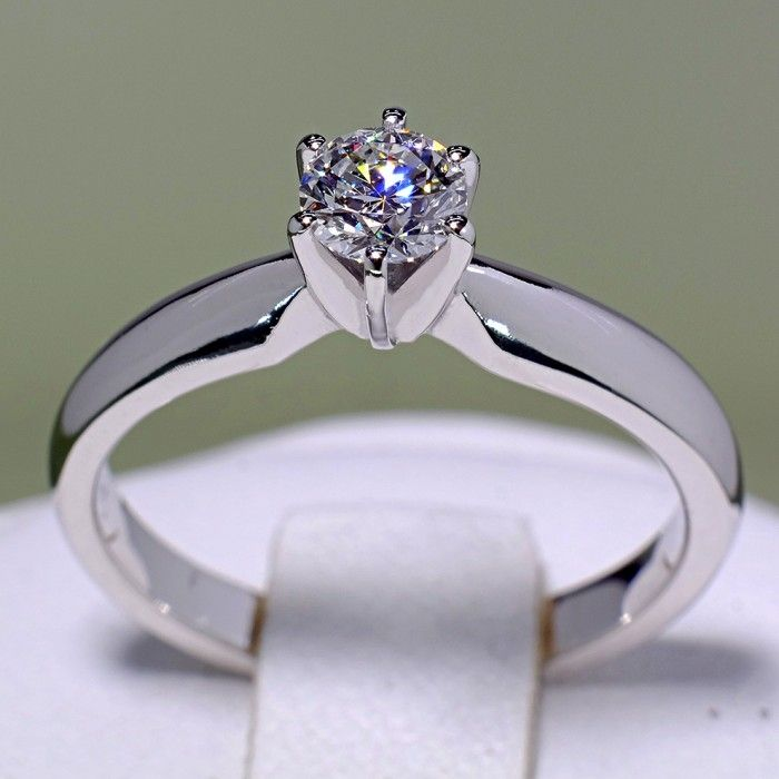 Inel din aur alb infrumusetat cu diamant model i017p6