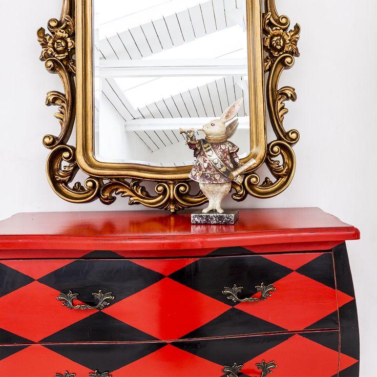 """#комод """"Эдисон"""" (красно-черный ромб), #зеркало """"Версаль"""", #статуэтка, #мебель, #интерьер, #декор, #furniture, #objectmechty, #interior"""