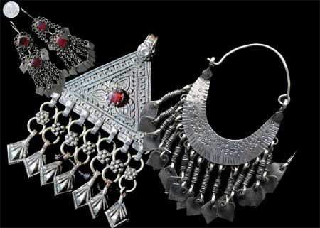 Traditional Kashmiri jewelry