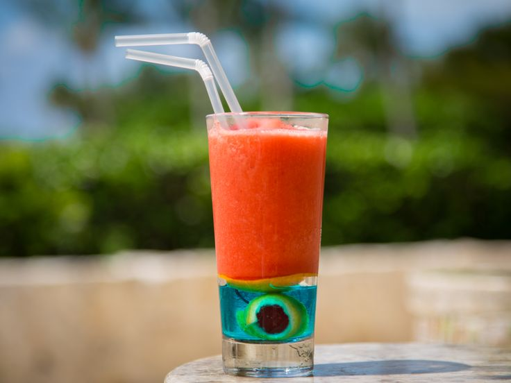 "Cocktail ""True Love"" by the Grand Class Pool swim-up bar. Refresh yourself at #GVRivieraMaya! #GrandVelas #VelasResorts"