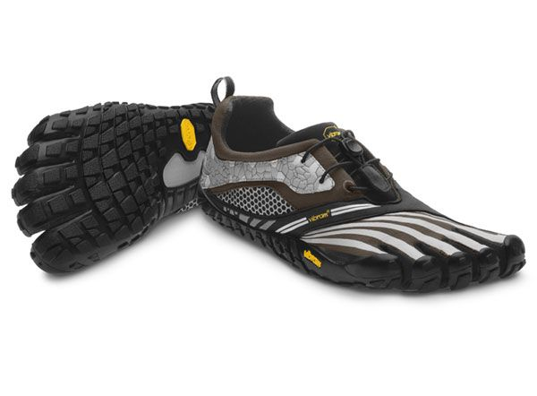 Vibram FiveFingers - SPYRIDON LS Trail freerunning, balance beam, soccer,  etc shoes. I feel like a forest creature with these on.