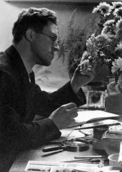 H. Rol bereidt een tekening voor het album voor, 1936