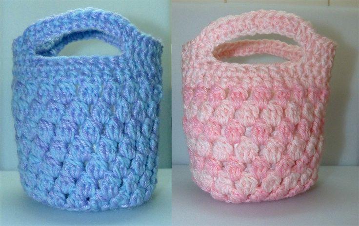 Little girl's shopping bags
