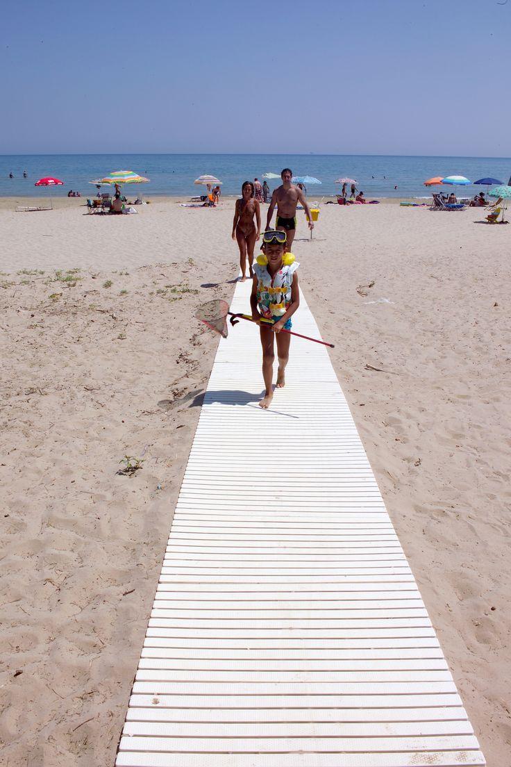 spiaggia #interntionalcamping #pineto #abruzzo #italy #spiaggia #beach #sea #mare #sabbia #estate #divertimento #allegria #sole #sun #summer