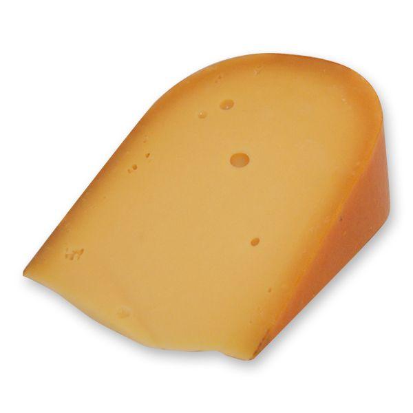 Gino en ik hebben kaas en worst gesneden in de kantine van de school. Dat was erg leuk om te doen.