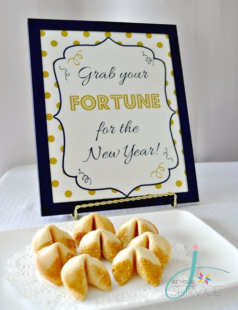 J. At Your Service: Kid-Friendly New Years Eve {Product Shoot} Free printable