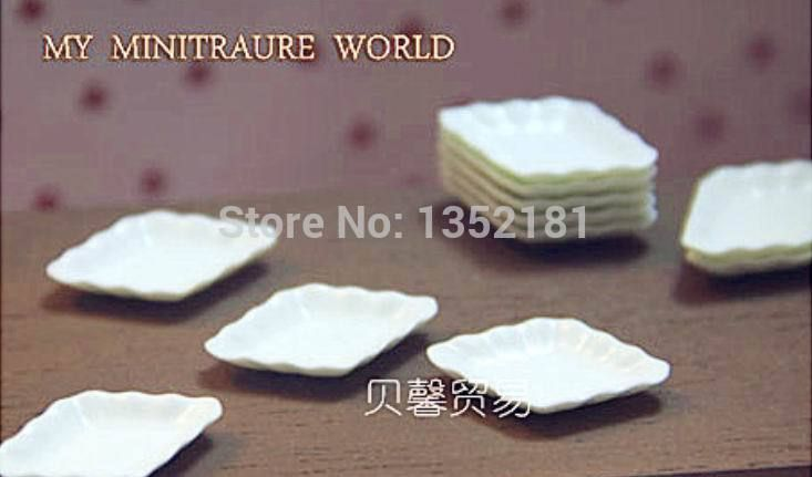 3,99 - plastic1:12 Cute Dollhouse Miniature kitchen MINI  white wave edge dish plate