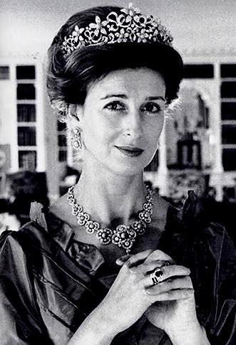 The Royal Order of Sartorial Splendor: Engagement Rings