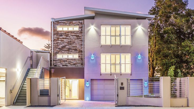 Nedlands 3 storey home on a small & difficult block
