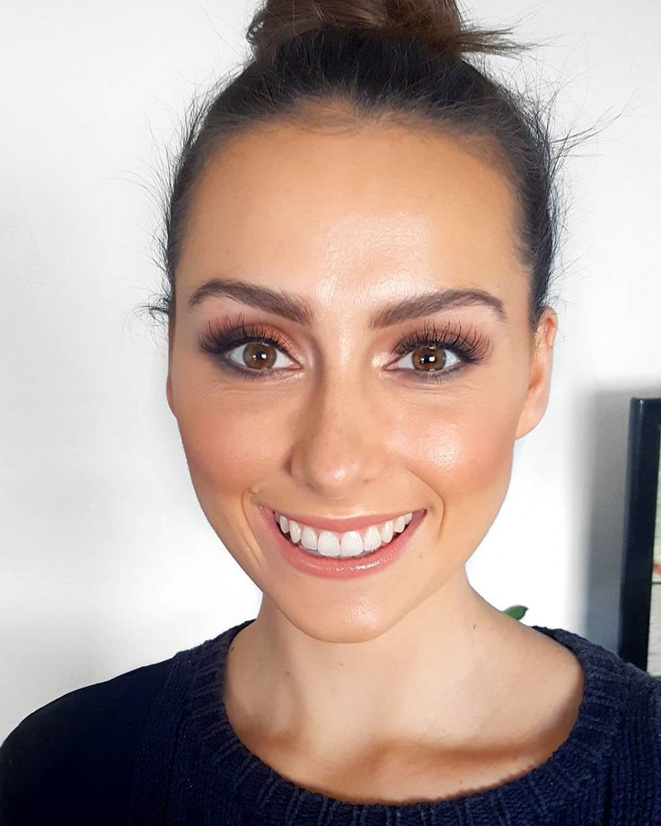 Fresh airbrush makeup on this babe'n face! @jordancash07 💋  Airbrush Makeup available in studio! . . . Makeup by owner @nikitaperemakeup