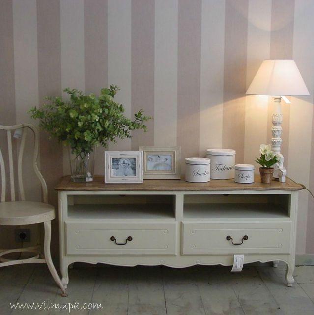 Mueble de madera de stilo frances provenzal salones for Muebles salon provenzal