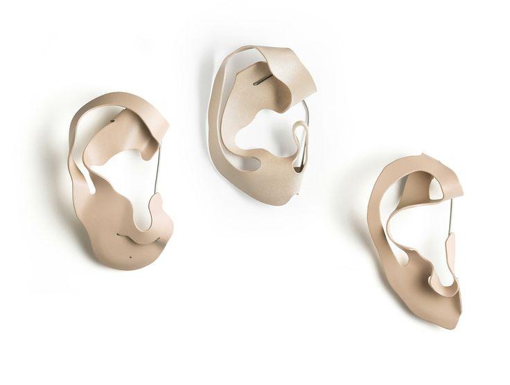 Benjamin Lignel, Thinking of you, 2007-12, broochs, courtesy NextLevel Galerie