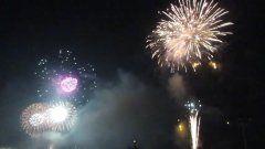 関門海峡花火大会北九州と下関の両岸から夜空を彩った1万5千発の花火迫力がありましたよ  tags[山口県]