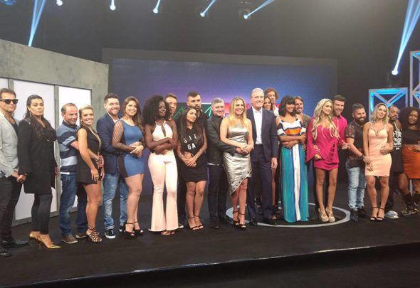 """Record divulga os 11 casais da nova temporada do """"Power Couple Brasil"""" que tem ex-""""BBB"""" na lista"""