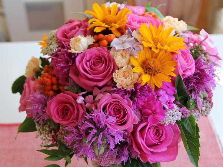 Bridal Bouquet In Mumbai : Best images about floweraura mumbai on glow