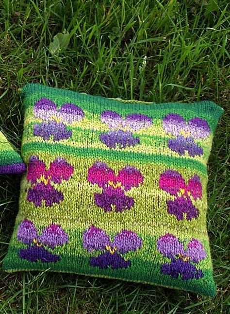 #stricken #Handarbeit #Anleitung #Kalender #Knitting #Wool #Handknit  #Pattern #Kissen #wohnen #Einrichtung #bunt #Farben #Farbverlauf #Blumen ...