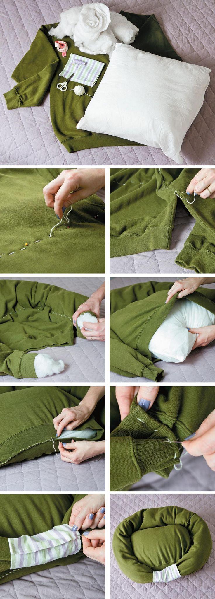 Cama para nuestro perro reciclando un suéter viejo y un cojín, DOG BED