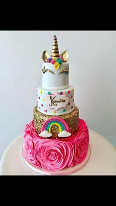 this cake for experts is easier than it looks. Maybe it could be a wedding cake for peeps that loveeee unicorns!