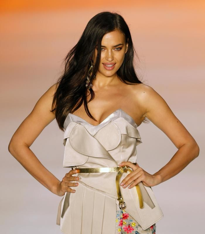 World Cup Crush: Ronaldo's girlfriend Irina Shayk - Yahoo Sports Canada