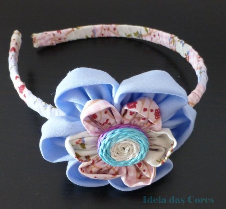 Headband lined with fabric and flower tissue/ bandolete forrada com tecido e aplicação de flor em tecido