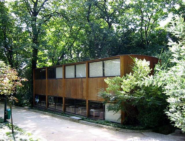 Biblioteca Infantil (dentro del Jardim do Palácio de Cristal, rua de entre Quintas). Paula Santos.