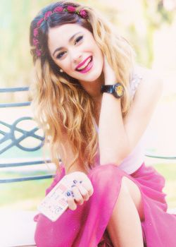 Meet her, she is Martina Stoessel. She's from Argentina and she sing really good. I ♥ her.
