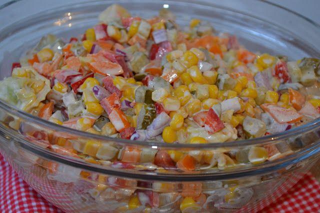 W kuchni u Moniki...: Sałatka z tortellini i piersią z kurczaka