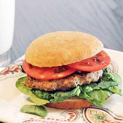Skinny Worcestershire Turkey Burger uses Laughing Cow Cheese wedges and flavorful Worcestershire sauce to jack up the taste on your ordinary turkey burger.