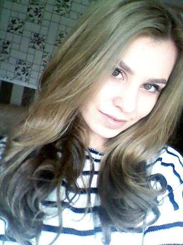 Irina Chireacova. Beautiful hair, perfect makeup.