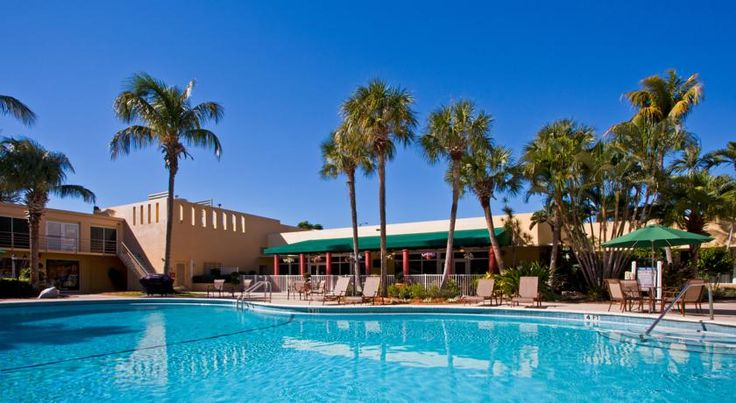 Holiday Inn Coral Gables / University Miami Directly across from the University of Miami campus, this Coral Gables hotel is only minutes from major area attractions and provides a variety of modern amenities along with comfortable accommodations.