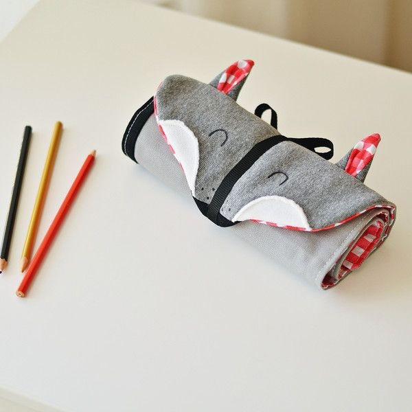 Roll up pencil case with the motif of our wonderful wolf, made of unique cotton fabrics. The pencil case is perfect for everyone! It contains 21 colored pencils, a ruler and a rubber. If you need...