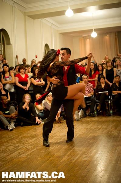 Bachata Dance - YouTube