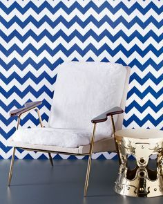 With the luxury furniture, you are the center of attention, your well-being and your comfort are the priority. With interior designers like Jonathan Adler, all of this becomes real. To follow more inspirations from world-renowned artists visit our blog. Http://modernchairs.eu