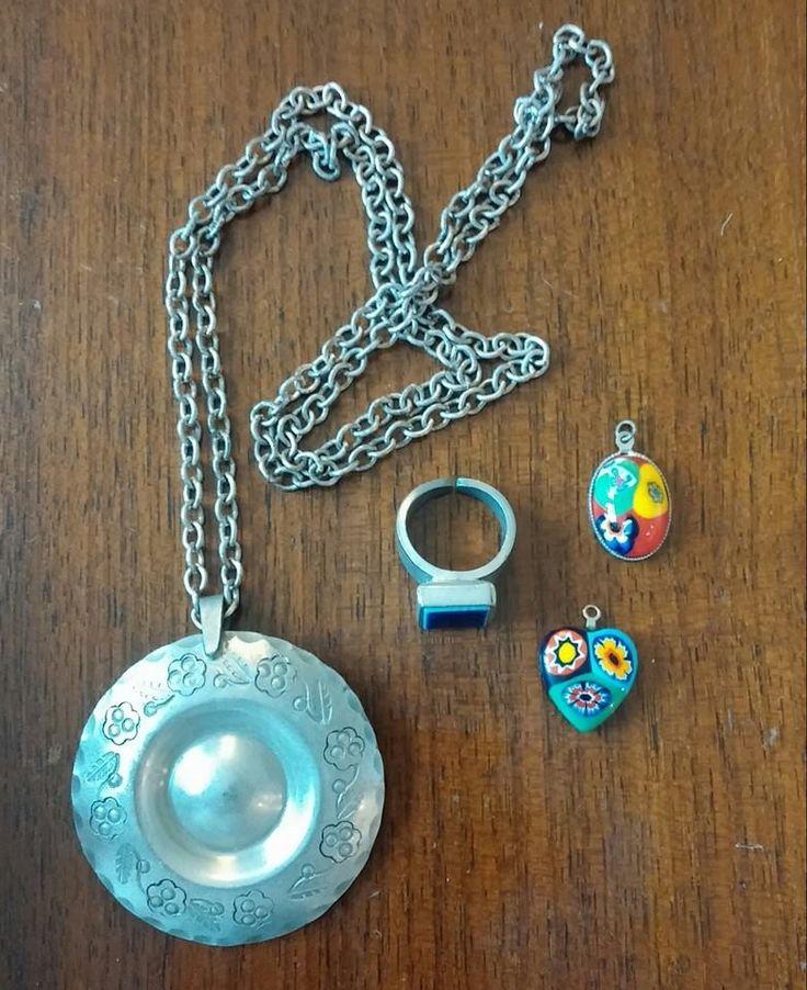 retro smykker  tin kæde og ring ca. 1970 små glasvedhæng ca. 1978  #retro #jewellery #markedslopper
