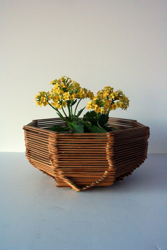 nice use of the classic popsicle stick bowl
