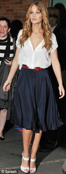 "Outfit Posts: outfit post: white peasant blouse, a-line navy skirt, red belt:  Someone tells you that you don't like heels and you think"";No, I just like staying upright!"""