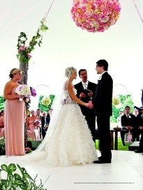 Carrie Underwood donned a grand #MoniqueLhuillier gown when she married Mike Fisher.