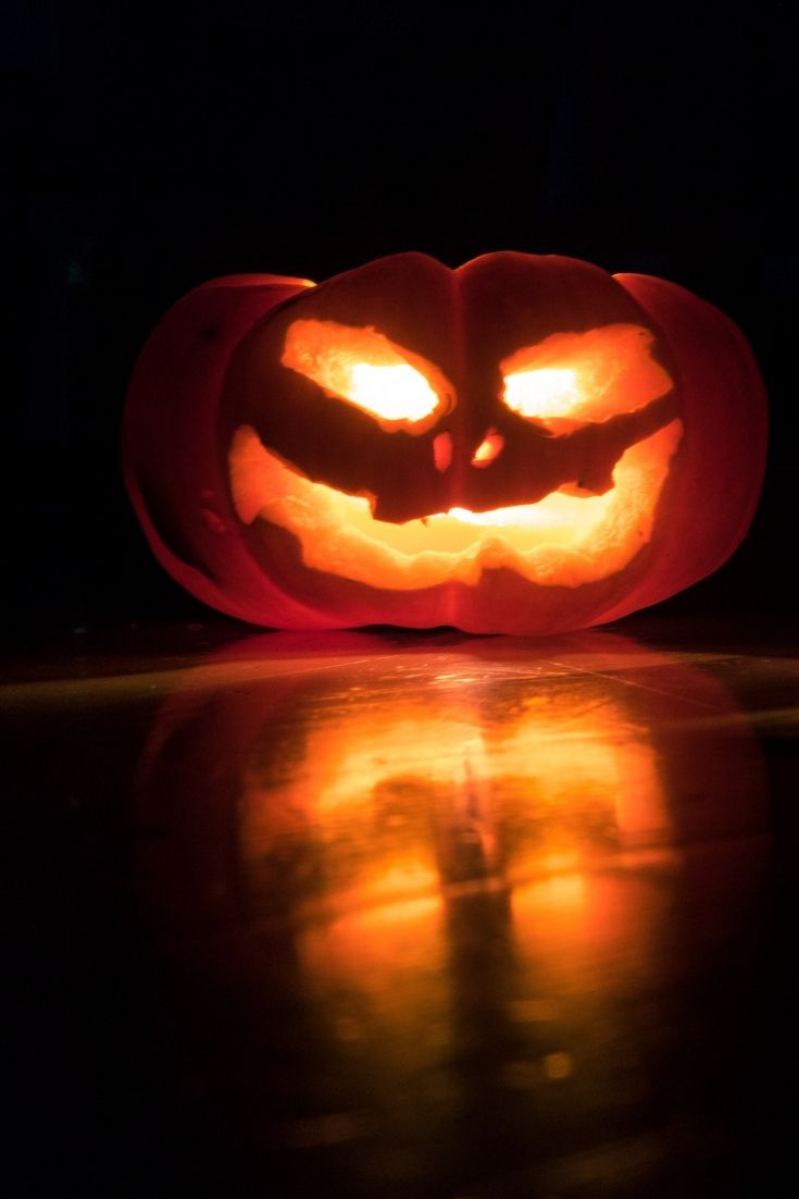Gruselige Halloween Deko Basteln Die 7 Besten Anleitungen Mirohome Halloween Deko Basteln Halloween Deko Halloween Deko Wohnung