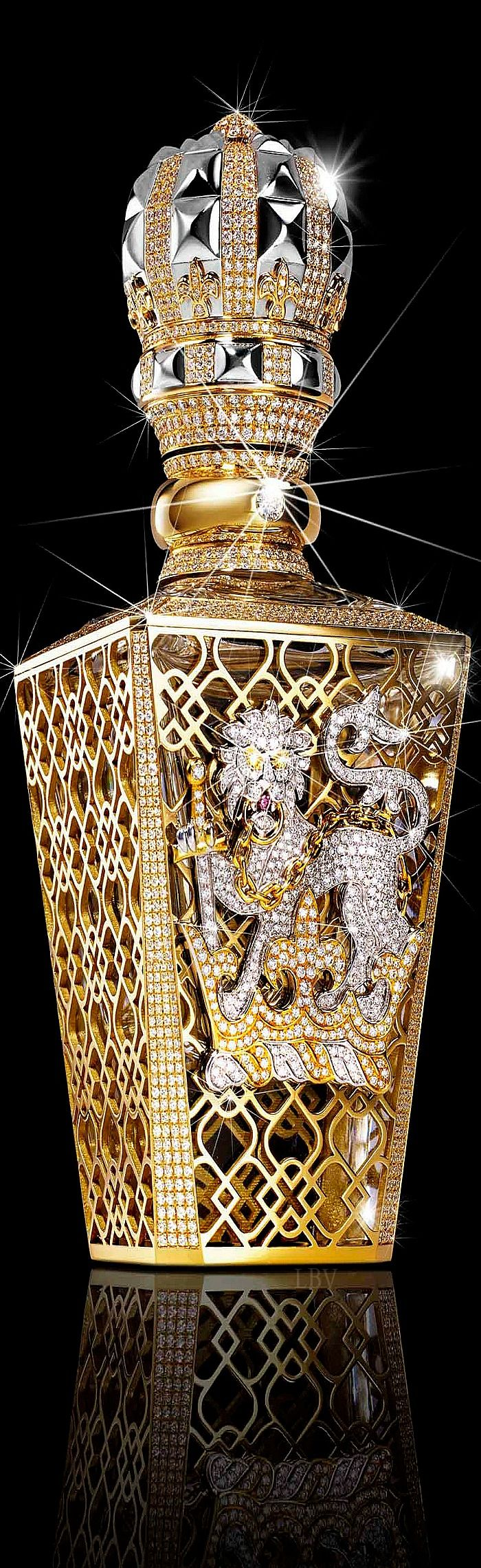 The World's Most Expensive Perfume♥✤Clive Christian No 1 Passant Guardant. 24 Carat Gold with price starting at $250,000.