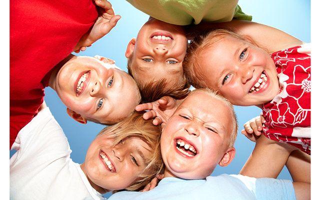 Детский праздник на ЭкоДроме http://ecvilibr.com/  Организация детских мероприятий для любящих родителей - важное, ответственное задание. Взрослые подходят к этому взвешенно, серьезно, с надеждой, что все у них получится. Ведь лучшая награда за удавшееся торжество для малыша - его счастливые глаза.   Как провести праздник для детей   Чтобы все получилось, к торжеству нужно основательно подготовиться. Удачная организация детских дней рождения, выпускных и прочих мероприятий зависит от многих…