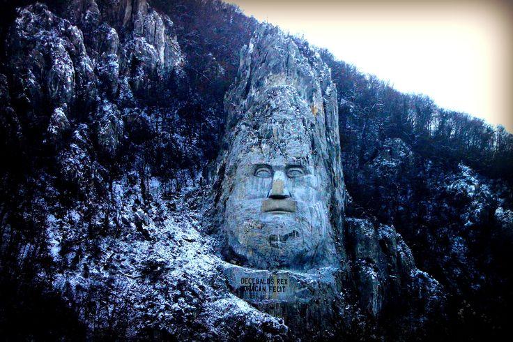 #Decebalus statue in #Romania si the largest statue of #Europe