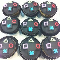 Love the Playstation themed cupcakes to match!