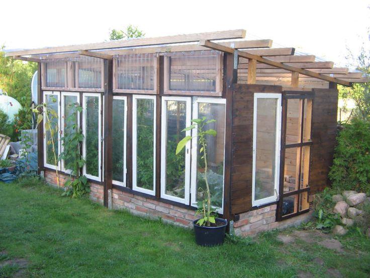 Gewächshaus aus alten Fenstern living home Pinterest