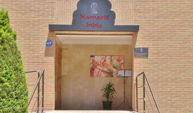RESTAURANTE NAMASTÉ INDIA En India el término namasté se emplea como forma de saludo y adiós,  https://greenplanetdepi.wordpress.com/el-rincon-de-pi/les-terrasses-de-la-torre/restaurante-namaste-india/