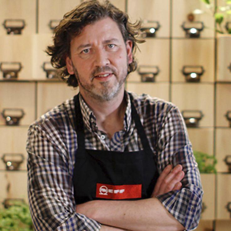 Christer Elfving kookt een heerlijke pompoensoep met chili in combinatie met gestoomde mosselen.